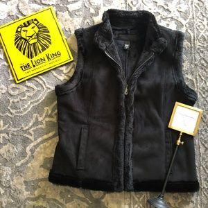 JACLYN SMITH sheepskin style outerwear black vest